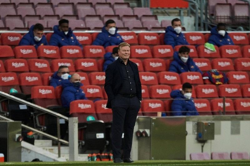 Koeman nói gì khi bị đuổi khỏi sân trận Barca thua sốc Granada