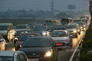Sau nghỉ lễ, lái xe trở lại thành phố thế nào để tránh tắc đường?
