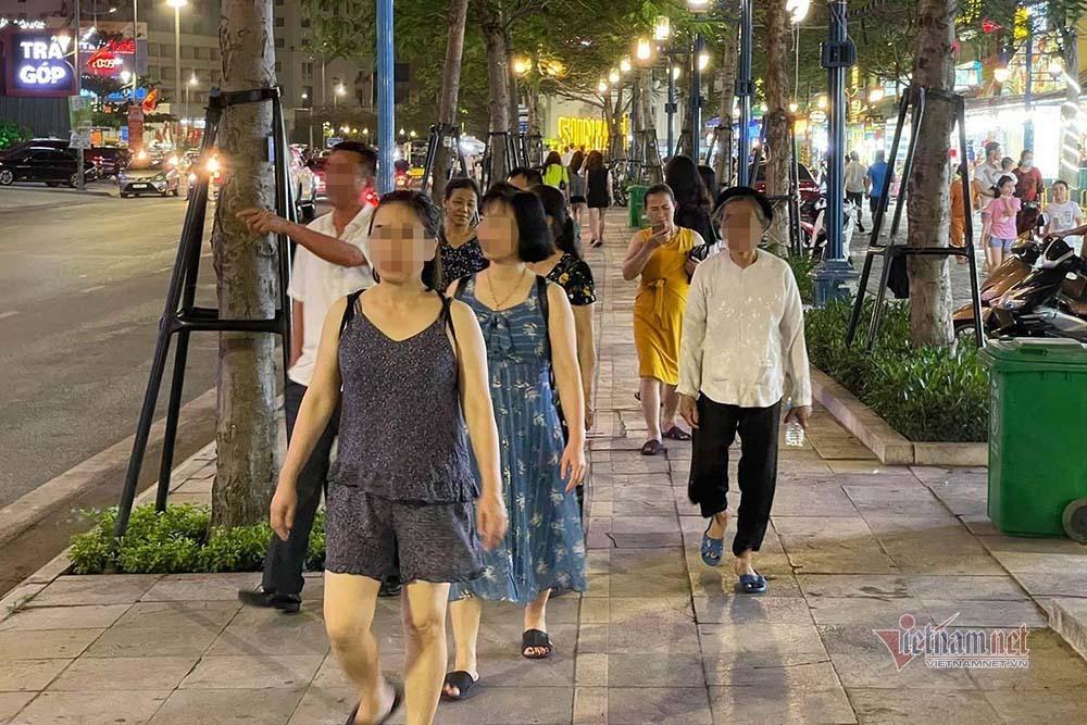 Ngày đầu nghỉ lễ, Quảng Ninh phạt 35 người không đeo khẩu trang, thu 53 triệu