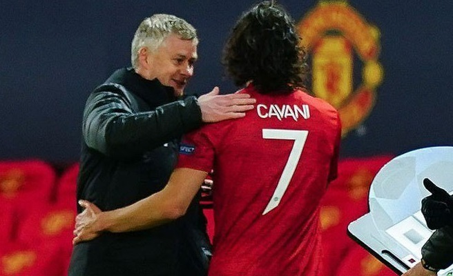MU received great news, Cavani decided to stay for another year