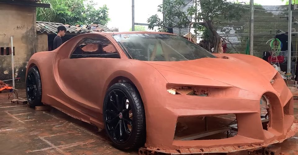 Chàng trai Việt chế Bugatti Chiron bằng đất sét gây sốt báo ngoại