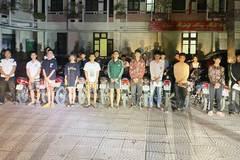 Bắt 25 'trẻ trâu' đua xe náo loạn ở thành cổ Sơn Tây