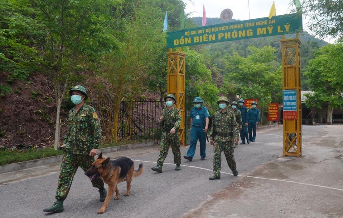 Miền Trung điều động hàng nghìn cán bộ chiến sĩ lên biên giới chống dịch