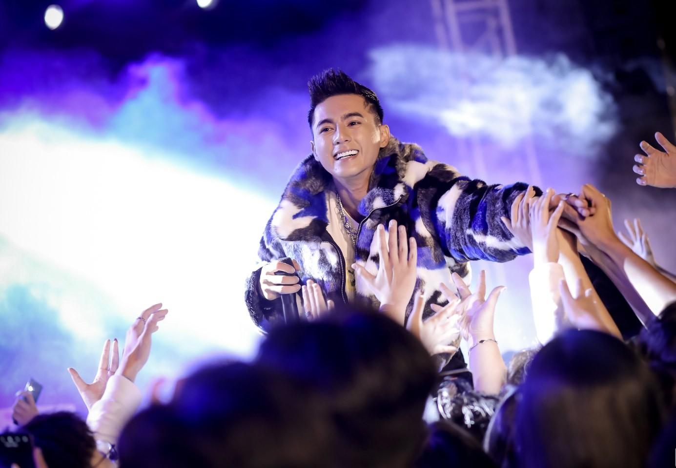 Lăng LD cùng Khoa ra mắt MV Ngộ