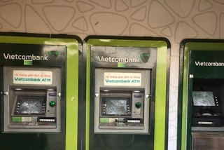 Người đàn ông đập phá hàng loạt trụ ATM ở Bình Dương: Nghi bị ngáo đá