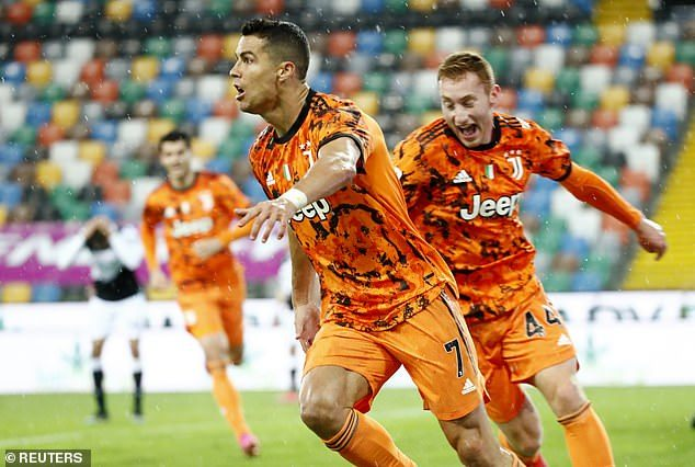 Ronaldo chói sáng phút cuối, Juventus trở lại top 3