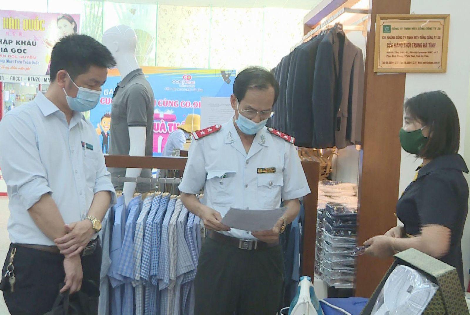 Hà Tĩnh xử phạt người đến nơi công cộng không đeo khẩu trang