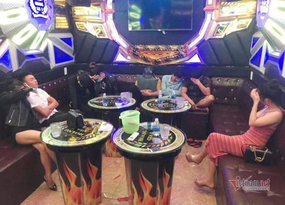 Quảng Nam, Quảng Ngãi tạm dừng hoạt động karaoke, quán bar, vũ trường