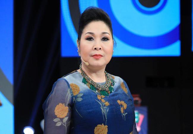 Thành Lộc: 'Buồn khi đóng cửa sân khấu nhưng ưu tiên chống dịch''