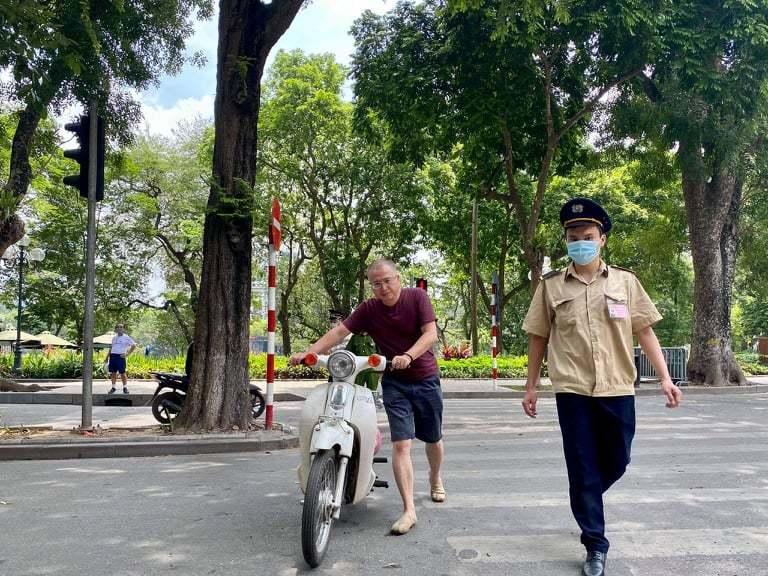Bốn ngày nghỉ lễ, một quận ở Hà Nội phạt 152 người không đeo khẩu trang