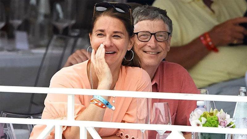 Những khoảnh khắc 'cùng nhau đi khắp thế gian' của vợ chồng Bill Gates