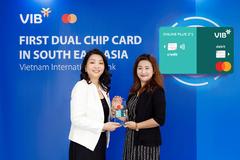 VIB nhận cúp Ngân hàng đẫn đầu về đổi mới và sáng tạo năm 2021
