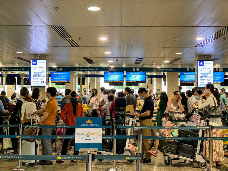 Giá vé máy bay giảm mạnh sau lễ