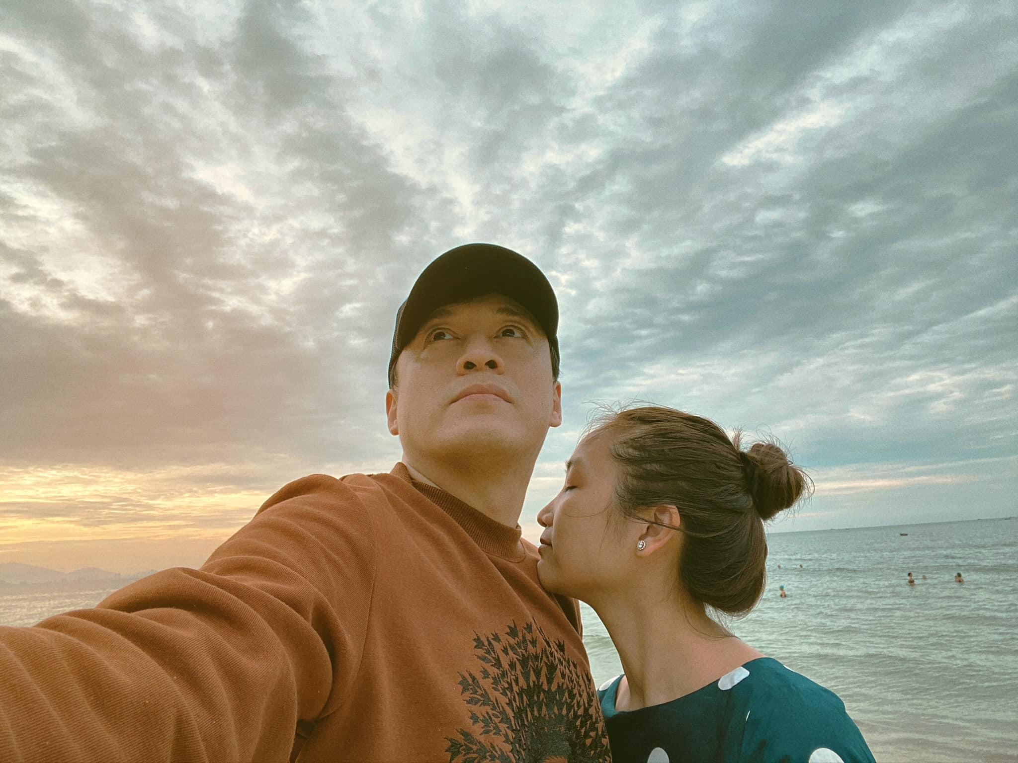 Vợ kém 17 tuổi của Lam Trường ngày càng xinh đẹp, quyến rũ