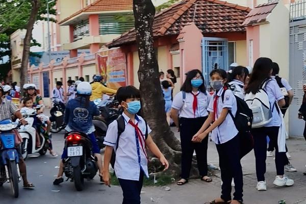 Nhiều học sinh Sóc Trăng được trường cho về để phòng dịch
