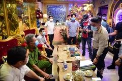 TP.HCM tạm dừng tiệc cưới, cấm tập trung trên 30 người nơi công cộng