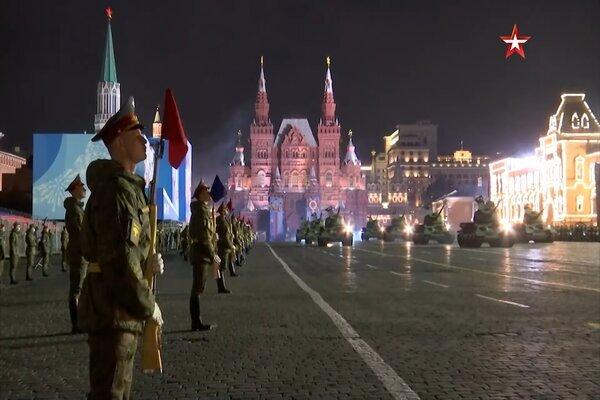 Hình ảnh 'cỗ máy quân sự' Nga chuẩn bị lễ duyệt binh Ngày chiến thắng