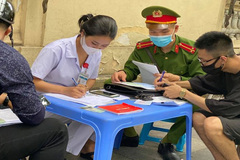 More than 100 people fined for not wearing face masks in Hanoi