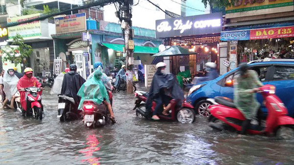 HCM City to speed upanti-flooding projects