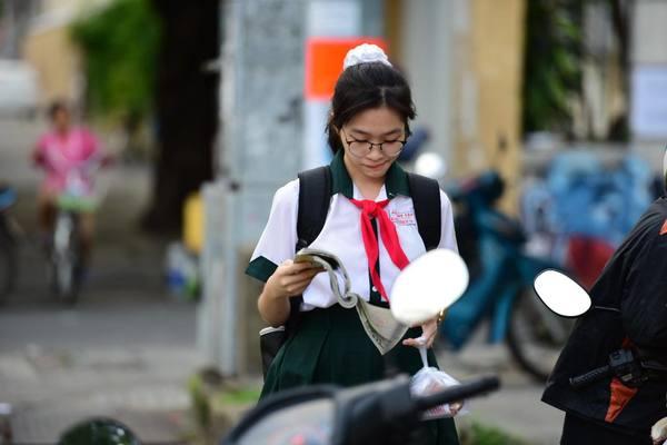 Trường học ở Sài Gòn được đẩy nhanh thi học kỳ để phòng Covid-19