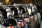 Lập 'đại bản doanh' ô tô: Đầu tư lớn rủi ro cao, không lãi bằng buôn đất
