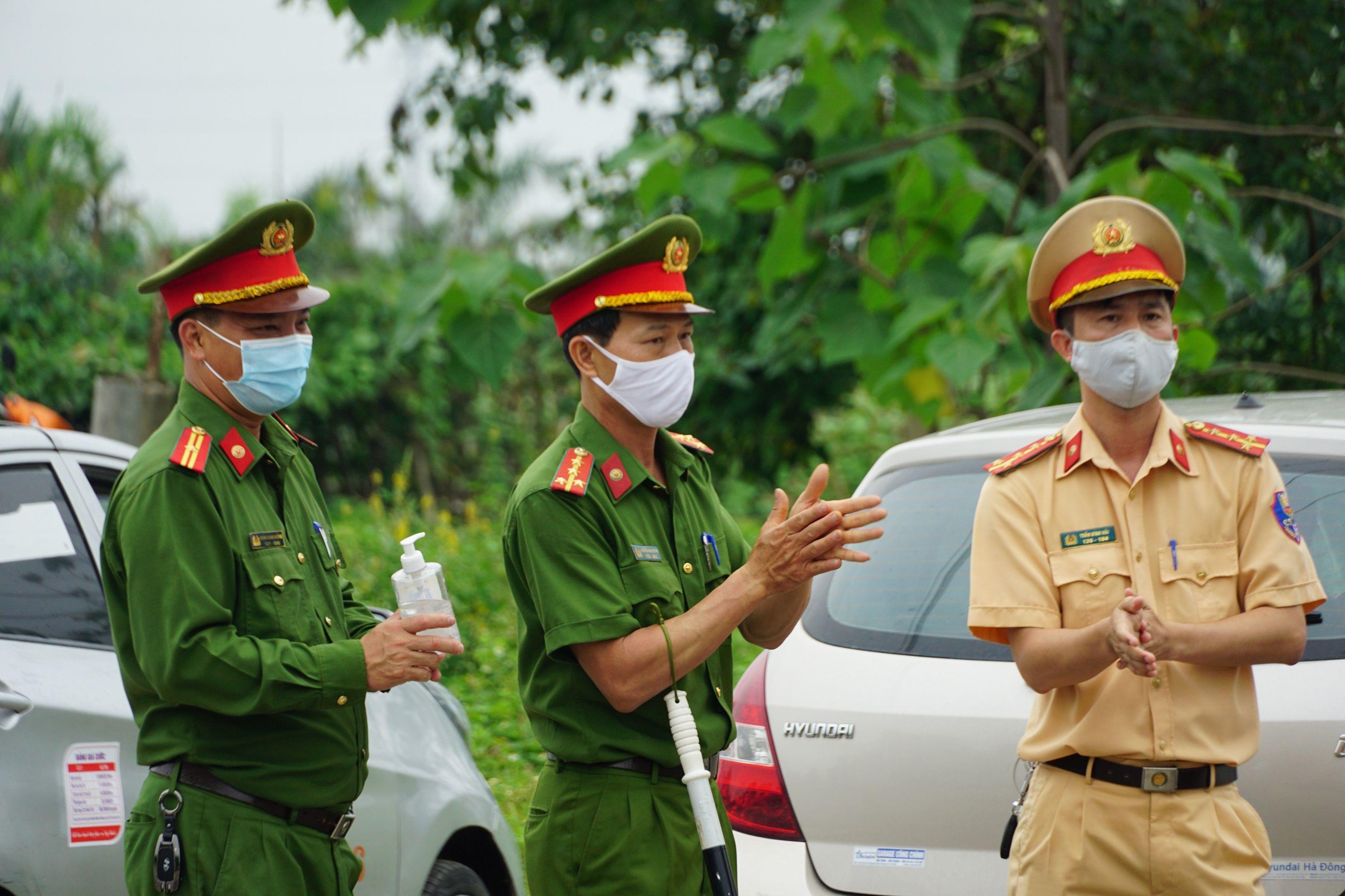 Chủ tịch Hà Nội: Vận động người dân không ra khỏi nhà khi không cần thiết