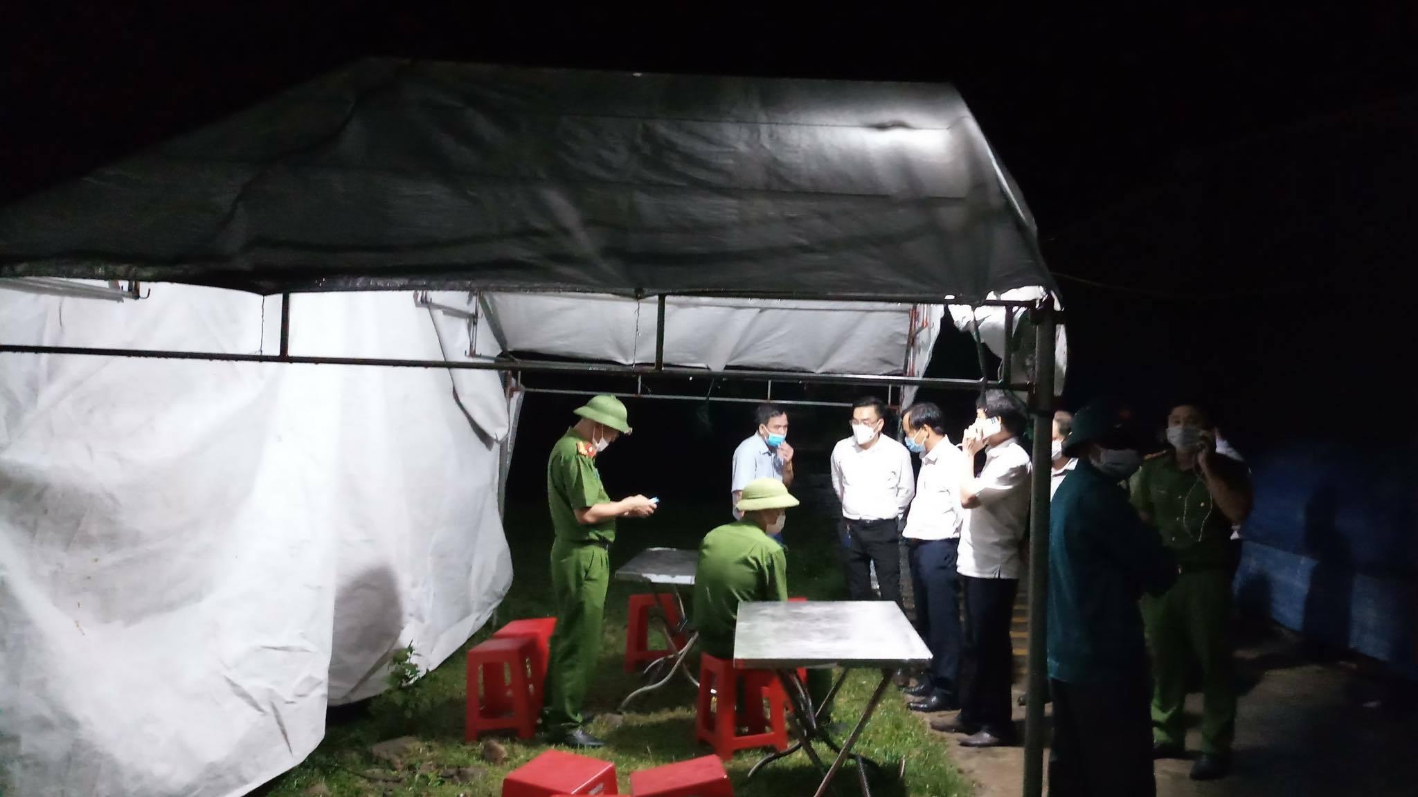Hà Tĩnh phong tỏa 2 thôn, đóng cửa karaoke, quán bar từ đêm nay