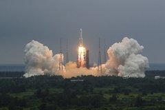 Trung Quốc tố phương Tây phóng đại vụ tên lửa sắp rơi xuống Trái Đất