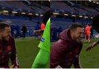 Hazard 'xát muối' vào Real Madrid, cười nắc nẻ với sao Chelsea