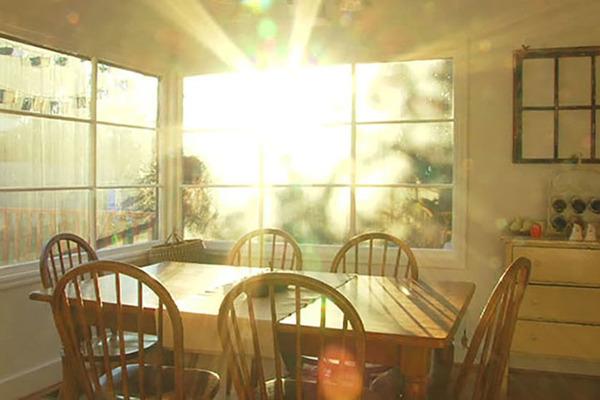Để nhà chung cư không thành 'lò lửa', đừng bỏ qua những cách chống nóng này