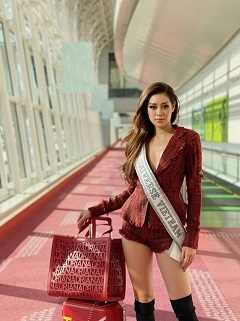 Khanh Van looks confident in US for Miss Universe 2021