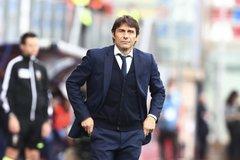 Tottenham trải thảm đỏ mời Conte về thay Mourinho