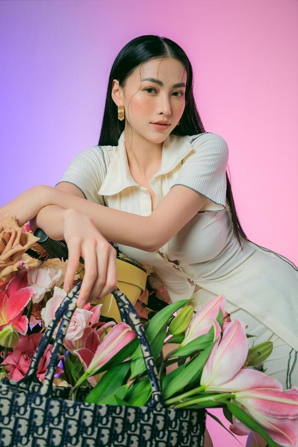 Phương Khánh dịu dàng, thanh lịch với thời trang mùa hè