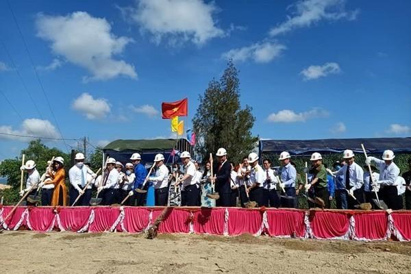 Xây dựng công trình mang đậm dấu ấn trên bán đảo Cam Ranh