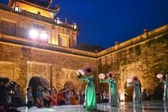 Discovering Thang Long Royal Citadel at night