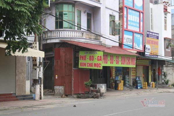 Đường phố TP Vĩnh Yên vắng hơn sáng mùng 1 tết