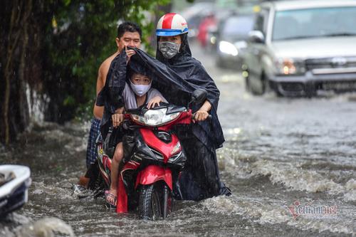 flood,HCM City,drainage system,flooding in hcm city