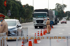 Hải Phòng đóng cửa chợ hàng, Quảng Ninh lập 6 chốt kiểm soát