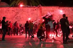 Cảnh sát Israel và người Palestine đụng độ ở Jerusalem, 180 người bị thương