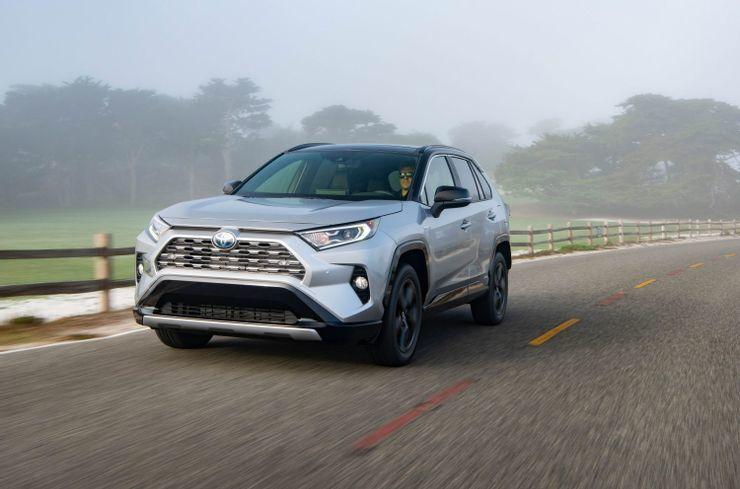 Những mẫu SUV tầm trung tốt nhất 2021
