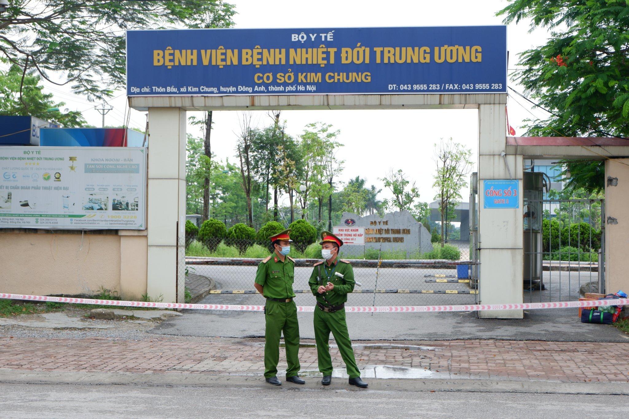 Chuyển 115 người từ BV Bệnh nhiệt đới TƯ sang BV Bạch Mai cơ sở 2