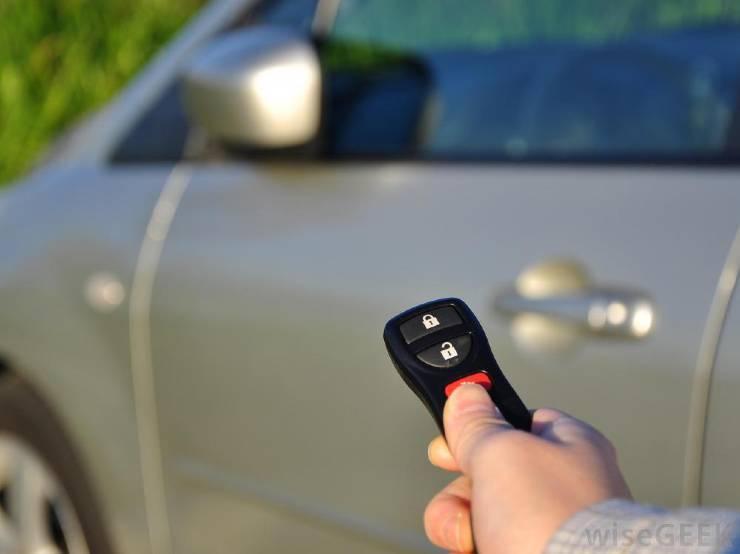 10 trang bị trên ô tô thừa thãi không cần thiết