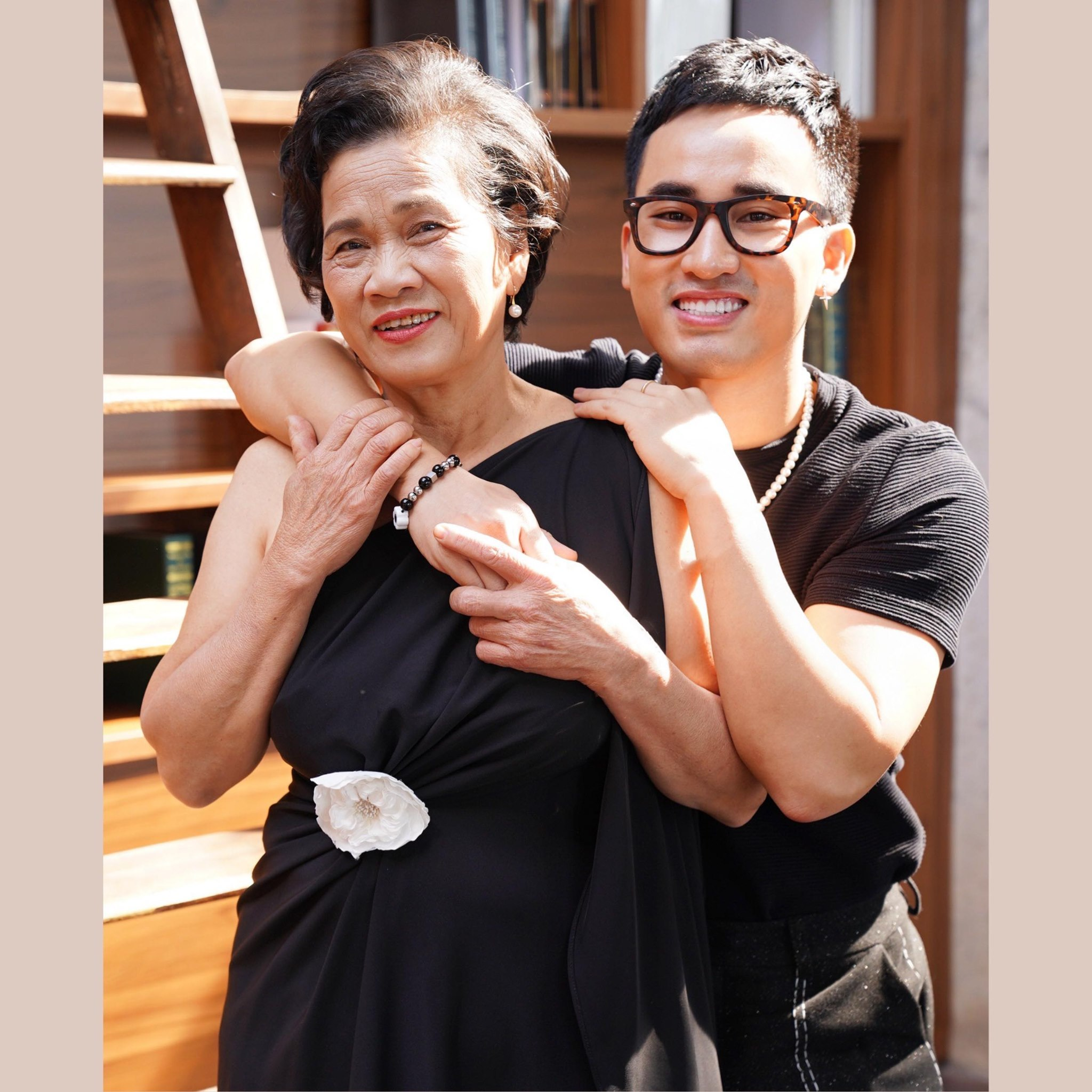 Minh Tiệp, Việt Anh và sao Việt viết lời yêu thương về mẹ
