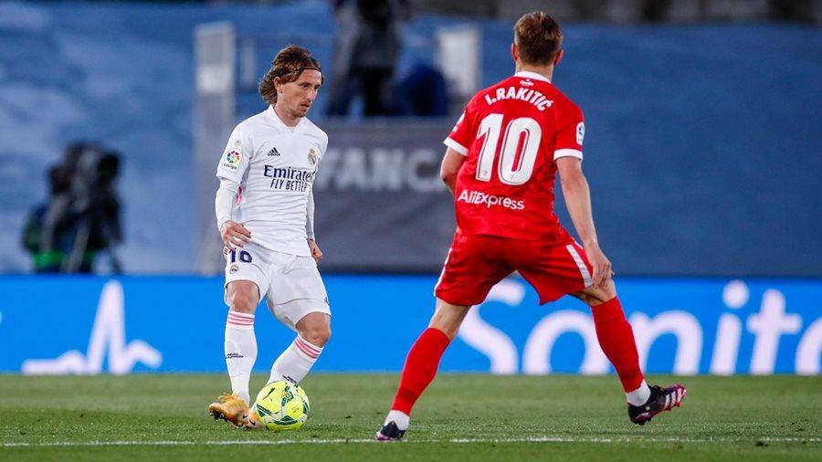 Thoát thua Sevilla phút 94, Real Madrid lỡ cơ hội lên đỉnh