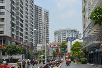 Rising high-rise apartments put infrastructure under pressure in HCM City