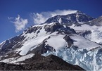 Trung Quốc vạch ranh giới trên đỉnh Everest để ngăn Covid-19