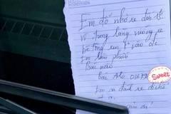 Tờ giấy nhắn của nữ tài xế đỗ xe chắn cửa gây xôn xao
