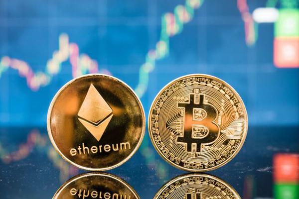 Ethereum lập đỉnh 4.168 USD: Thị trường tiền điện tử sẽ có 1 Bitcoin mới?