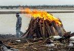 Hơn trăm thi thể nghi nhiễm Covid-19 dạt vào bờ sông Hằng