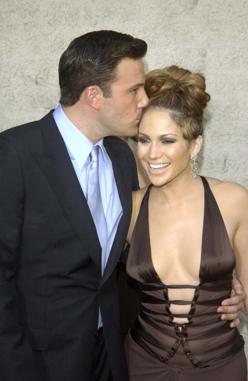 Jennifer Lopez đi nghỉ với Ben Affleck sau khi hủy cưới tình trẻ kém 6 tuổi